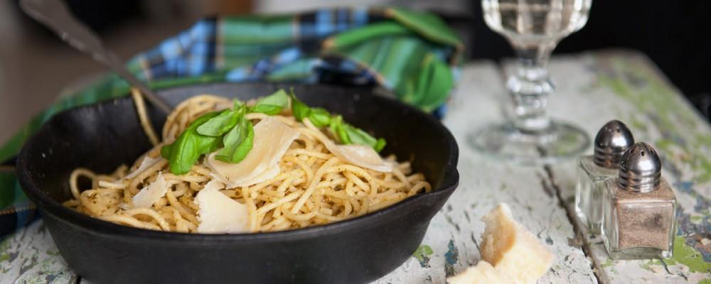 flora-foods-pasta-dish-wood-table